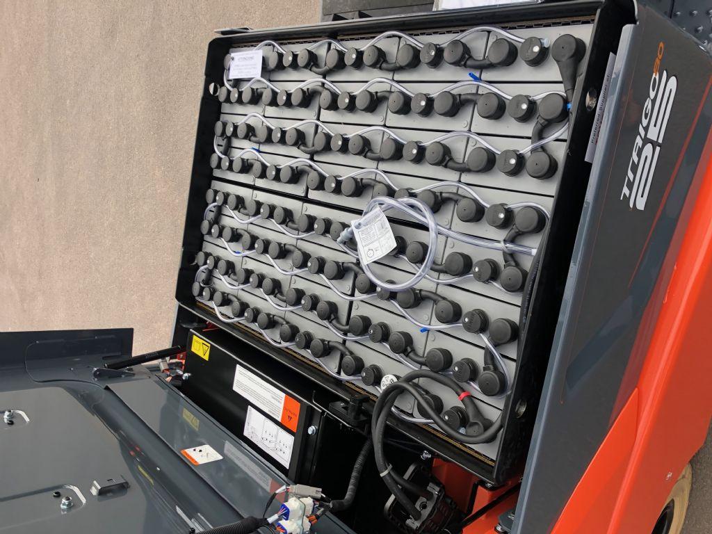 Toyota-8FBMKT25-Elektro 4 Rad-Stapler-http://www.anders-gabelstapler.de