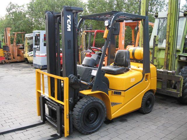 TCM FG25 T6 Treibgasstapler www.hangcha-gabelstapler.de