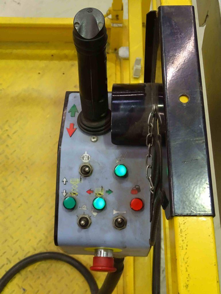 Haulotte COMPACT12RTE Scherenarbeitsbühne www.blackforxx.com