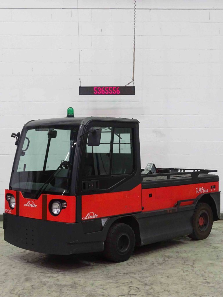 Linde P250 Tow Tractor www.blackforxx.com