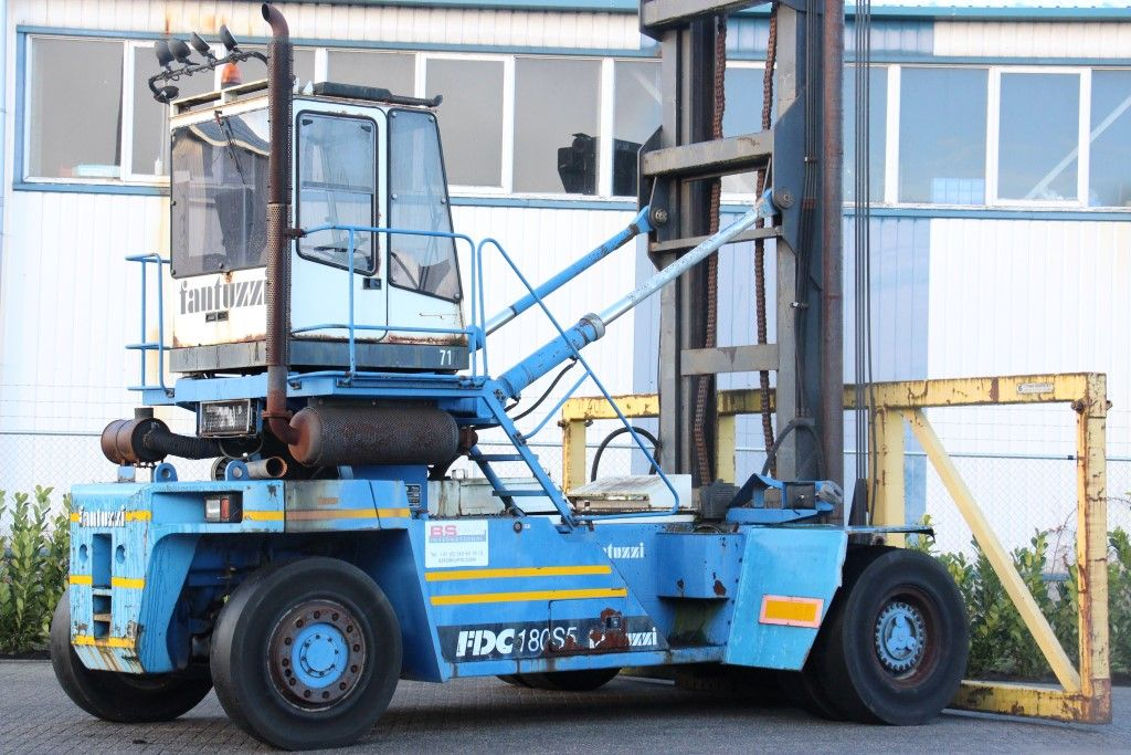 Used forklift trucks: BS Forklifts | Fantuzzi FDC180S5 Empty