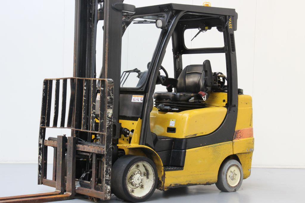 Yale GLC35VX Compact Forklifts www.bsforklifts.com