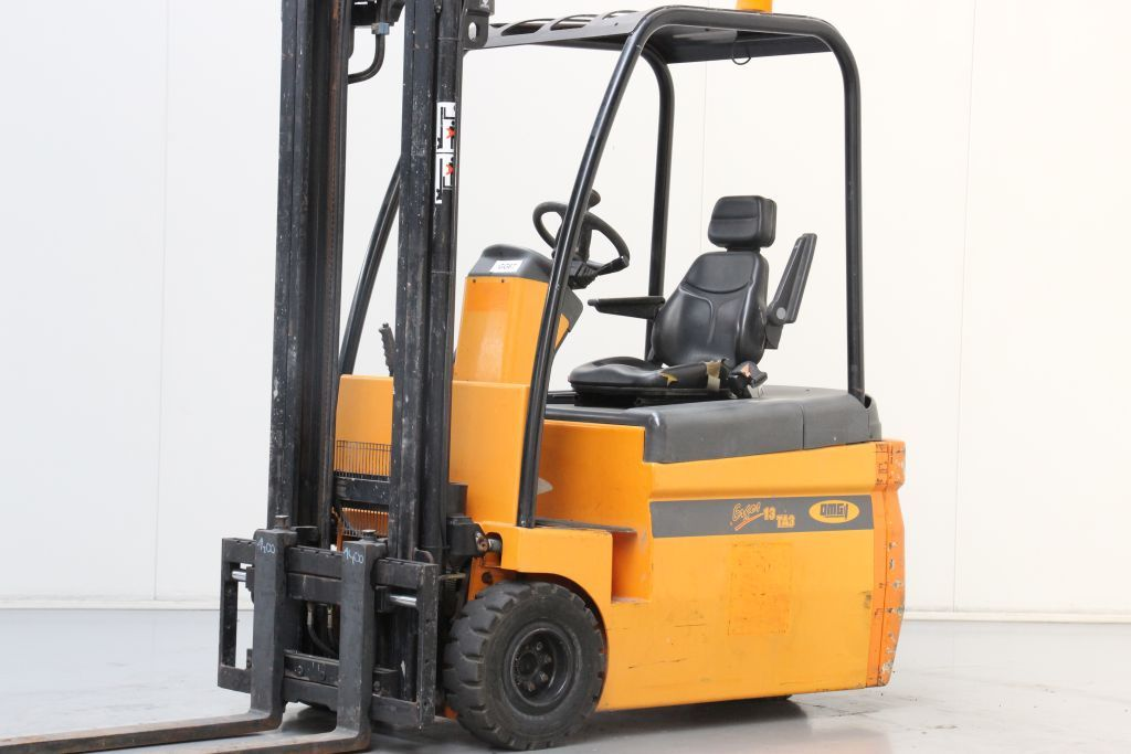 OMG ERGOS13TA3 Electric 3-wheel forklift www.bsforklifts.com