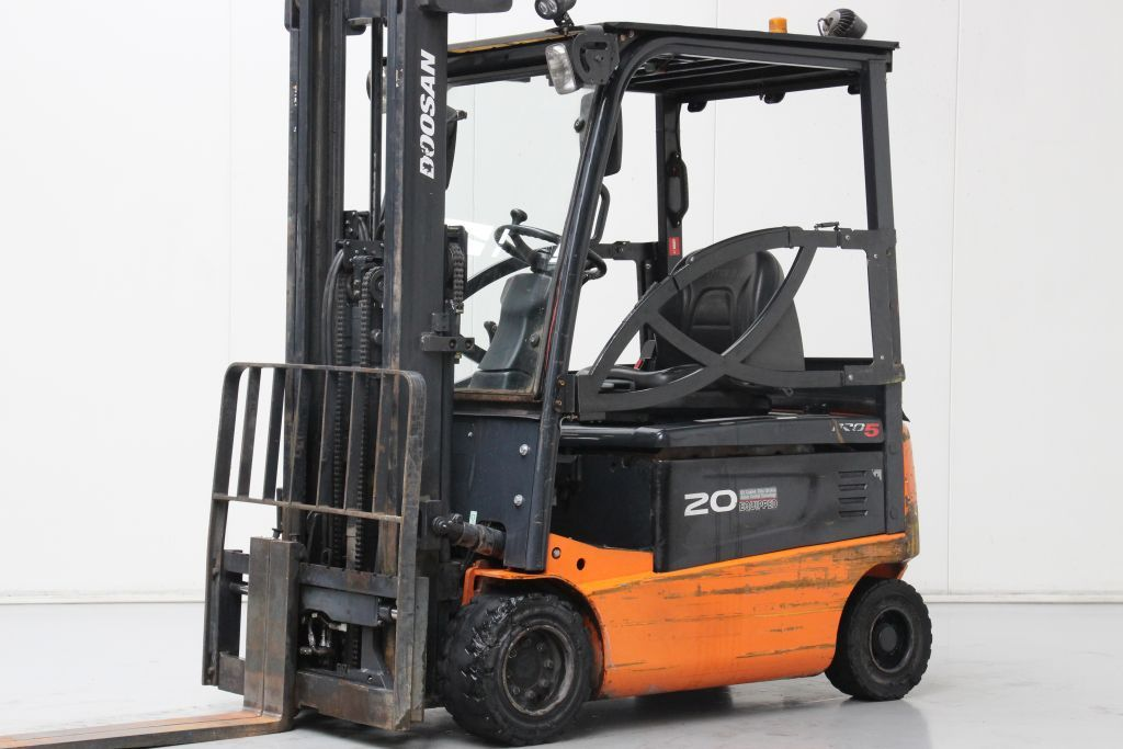 Doosan B20X-5 Electric 4-wheel forklift www.bsforklifts.com