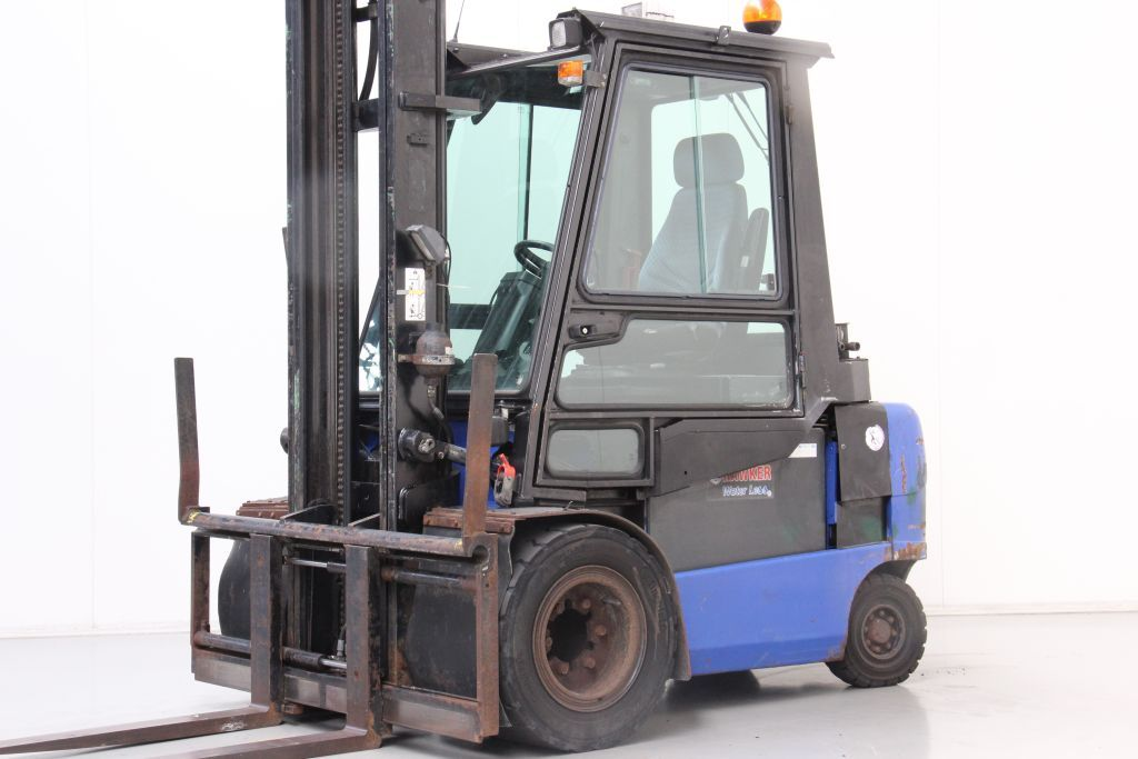 Caterpillar EP35K-PAC Elettrico 4 ruote www.bsforklifts.com