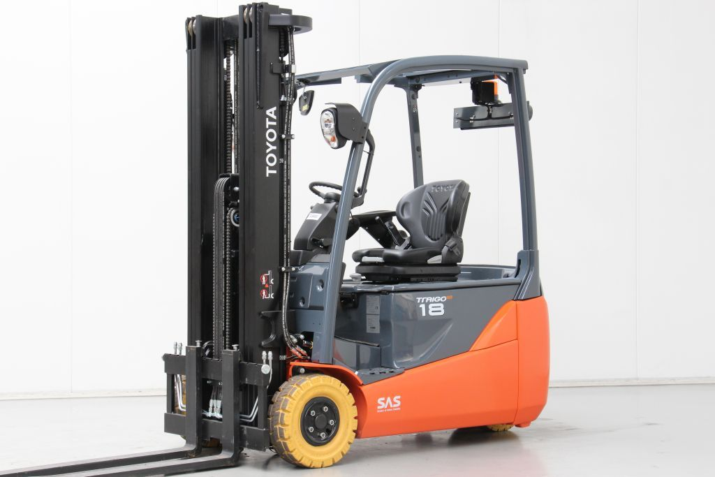 Toyota 8FBE18T Electric 3-wheel forklift www.bsforklifts.com