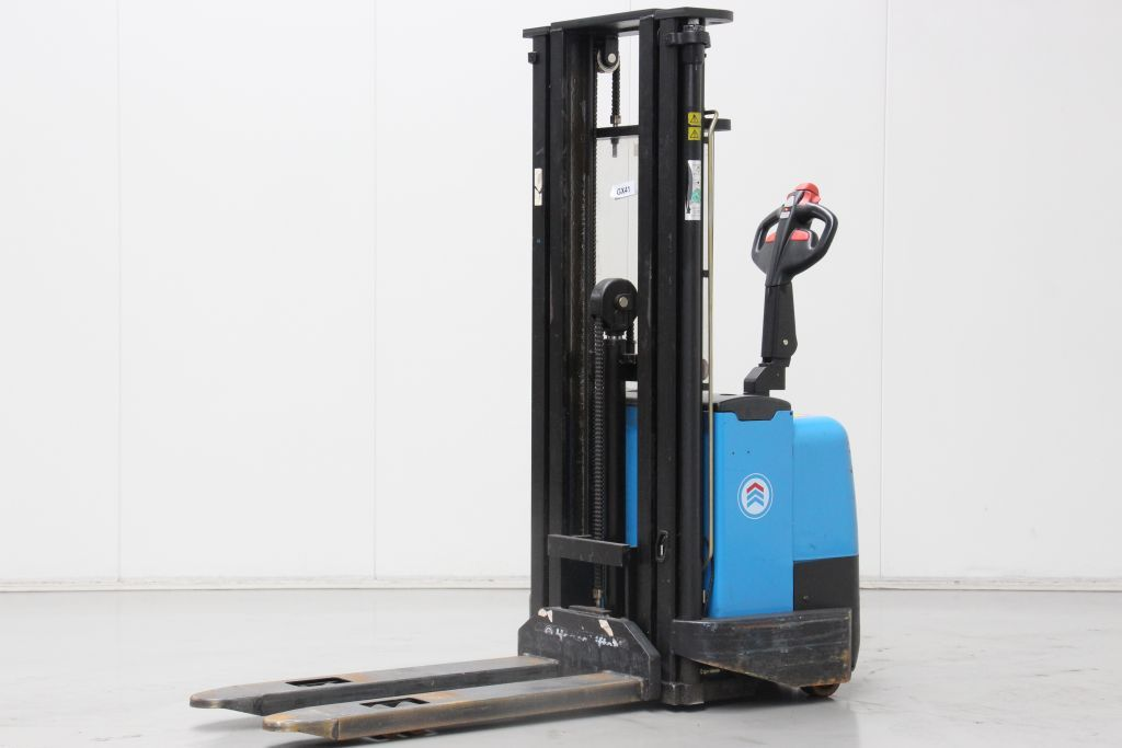 Hanselifter B1543FH-WBC-02 High Lift stacker http://www.bsforklifts.com