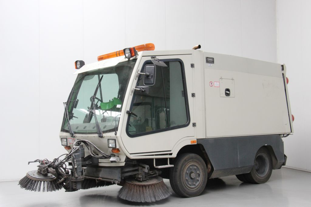 Tennant A80 Sweepers www.bsforklifts.com