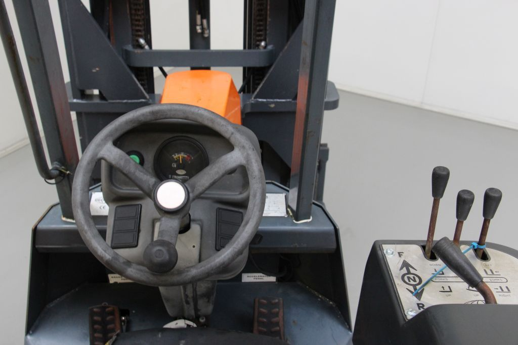Aisle-Master 20WH LPG Forklifts http://www.bsforklifts.com