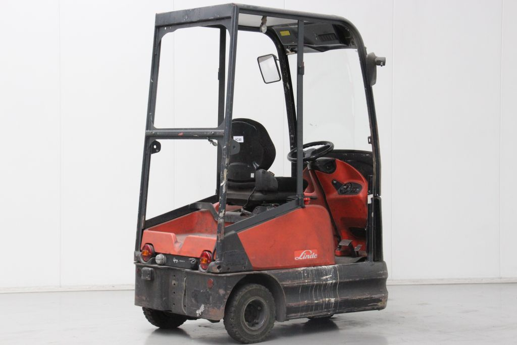 Linde P60Z Tow Tractor http://www.bsforklifts.com