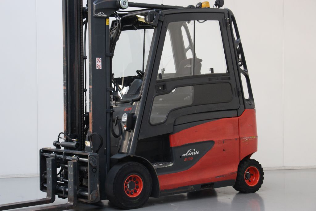 Linde E25HL-01/600 Electric 4-wheel forklift www.bsforklifts.com