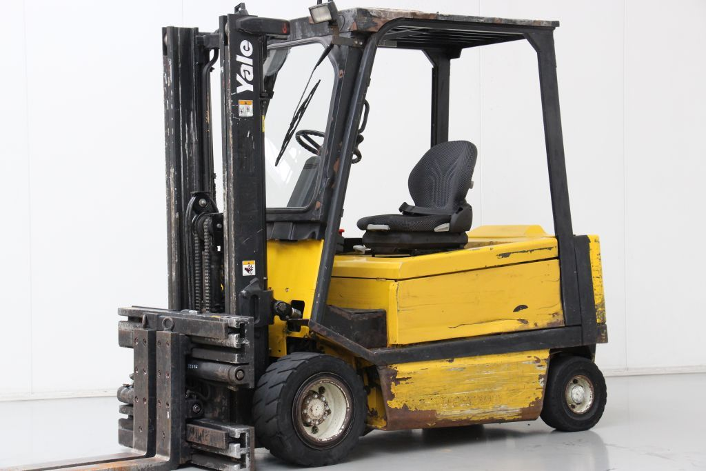 Yale ERP30ALF Electric 4-wheel forklift www.bsforklifts.com