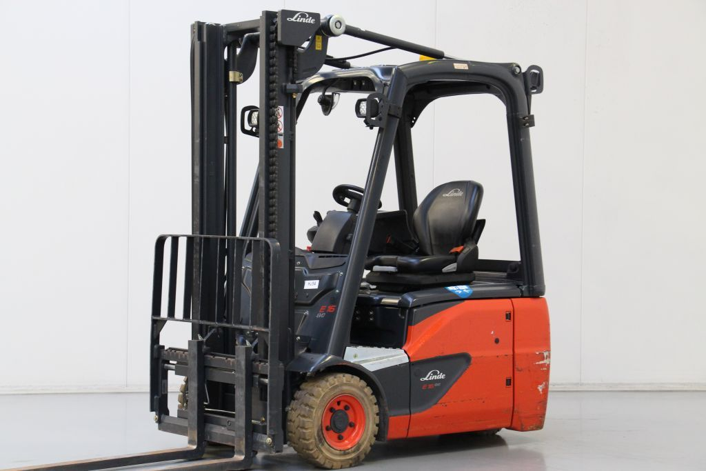 Linde E16C-02 Electric 3-wheel forklift www.bsforklifts.com