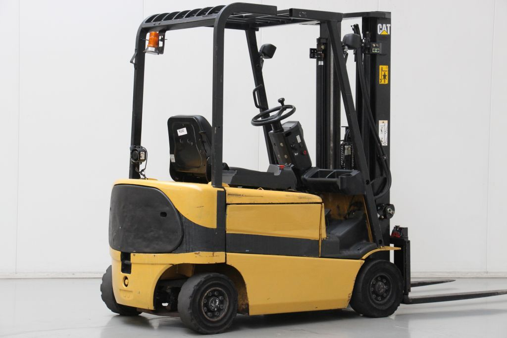 Caterpillar EP18K Electric 4-wheel forklift http://www.bsforklifts.com