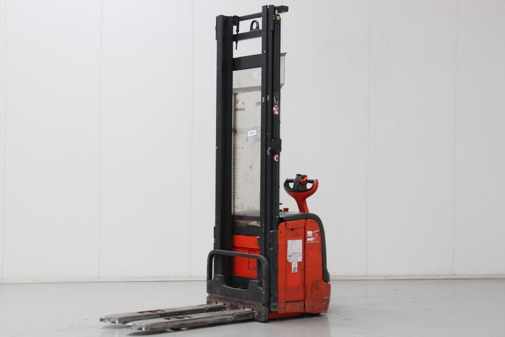 Linde L14 High Lift stacker http://www.bsforklifts.com