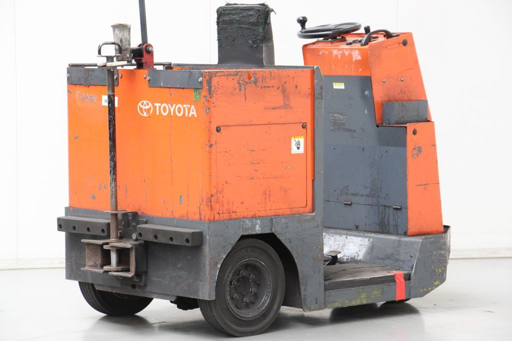 Toyota CBTY4 Tow Tractor www.bsforklifts.com