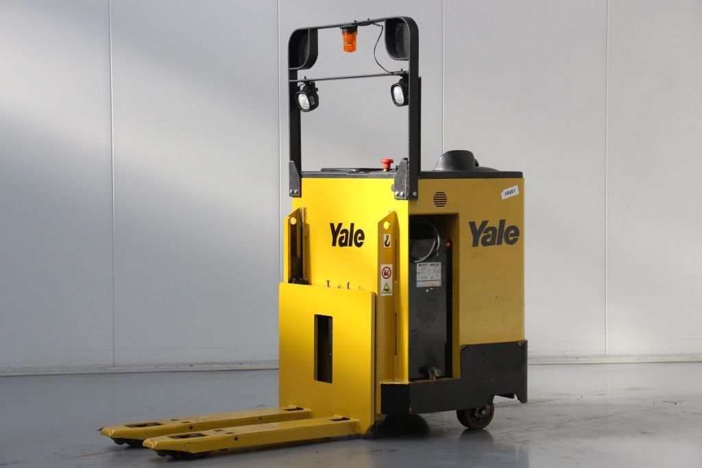 Yale MP20S Stacker sit on www.bsforklifts.com