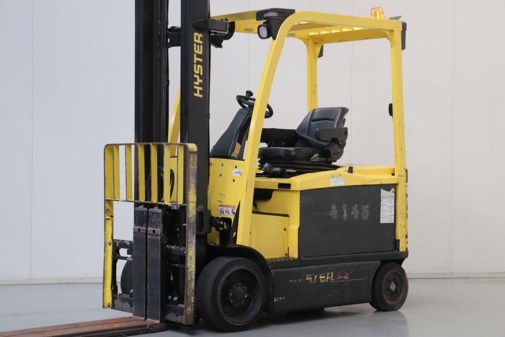 Hyster E3.2XN LWB Electric 4-wheel forklift www.bsforklifts.com