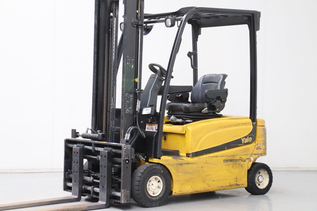 Yale ERP16VF Electric 4-wheel forklift www.bsforklifts.com