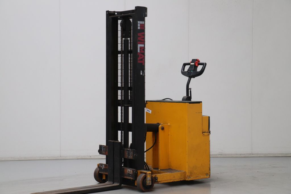 Wilmat PDCB527/S High Lift stacker www.bsforklifts.com