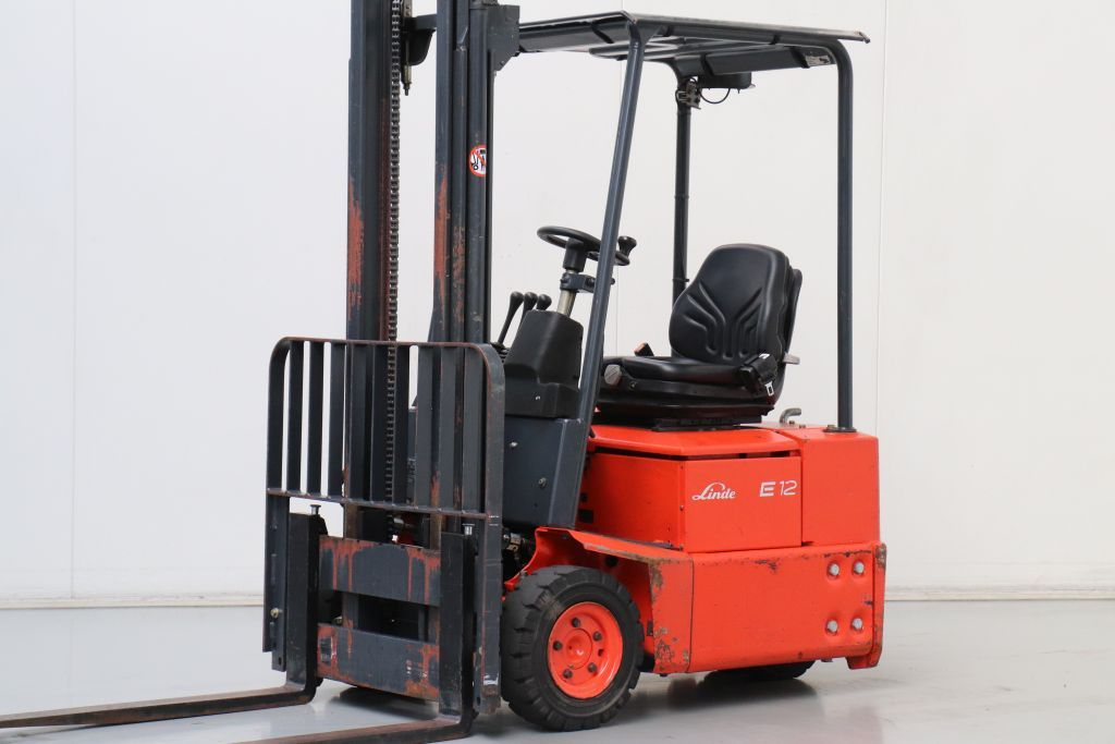 Linde E12Z-02 Electric 3-wheel forklift www.bsforklifts.com