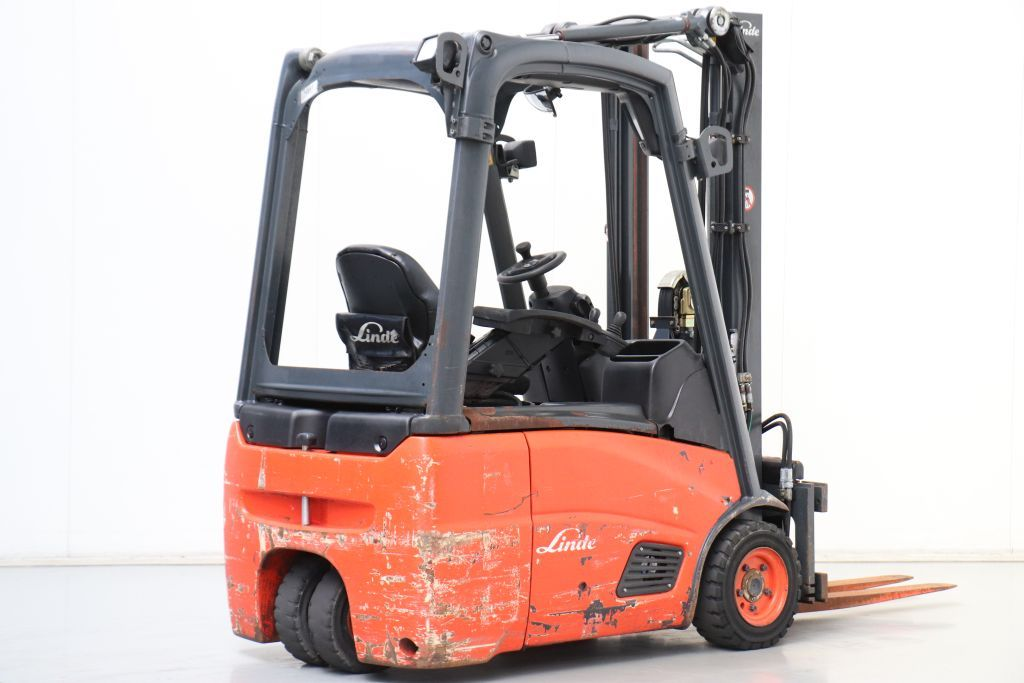 Linde E16C-01 Electric 3-wheel forklift www.bsforklifts.com