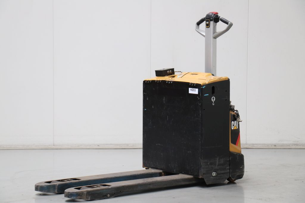 Caterpillar NPP20N2 Electric Pallet Truck www.bsforklifts.com
