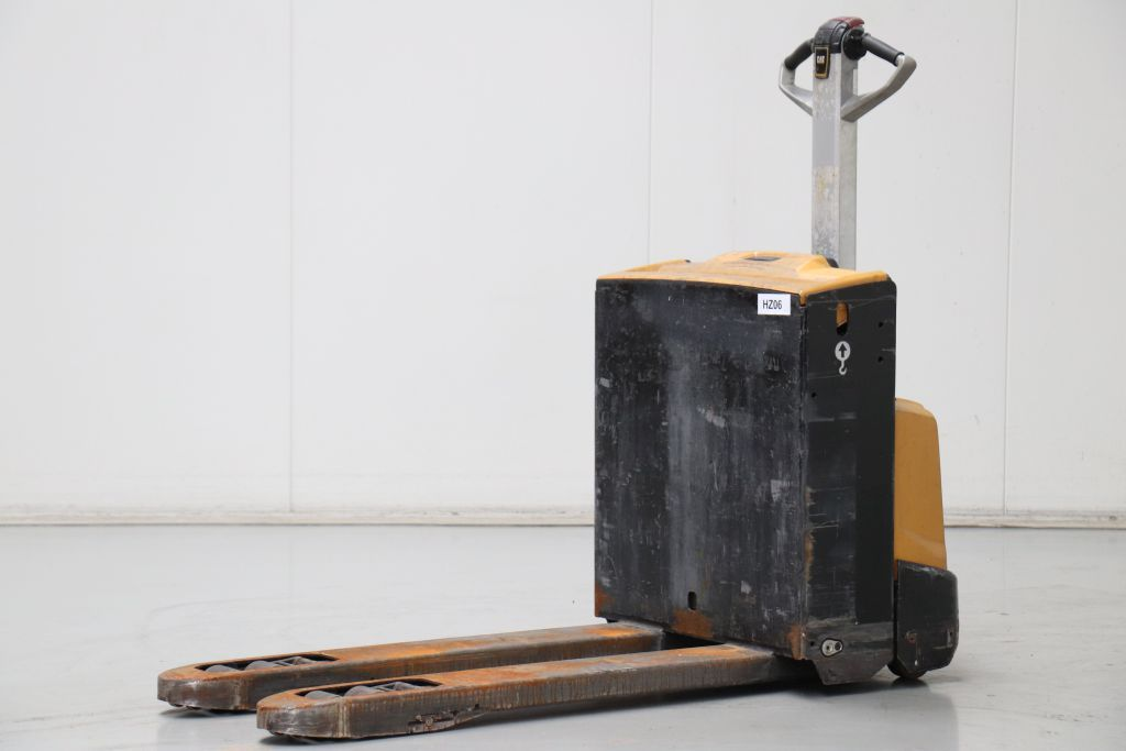 Caterpillar NPP16N2 Electric Pallet Truck www.bsforklifts.com