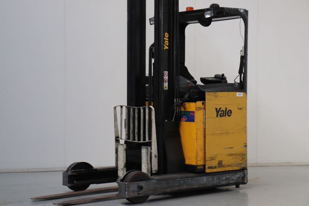 Yale MR20H Reach Truck www.bsforklifts.com