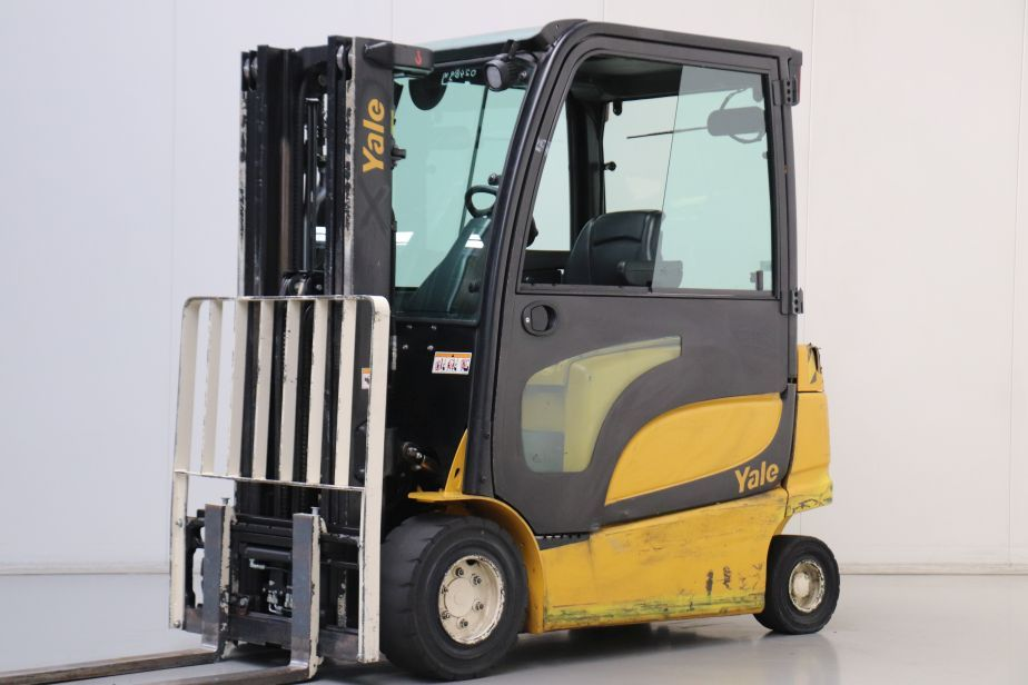 Yale ERP25VL Electric 4-wheel forklift www.bsforklifts.com