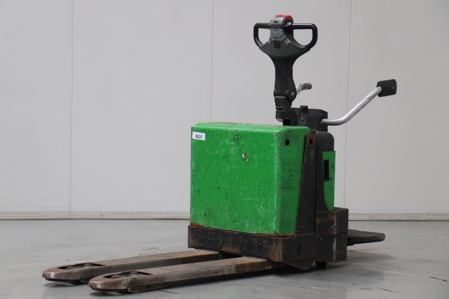 Cesab P320/8 Transpallet elettrico www.bsforklifts.com