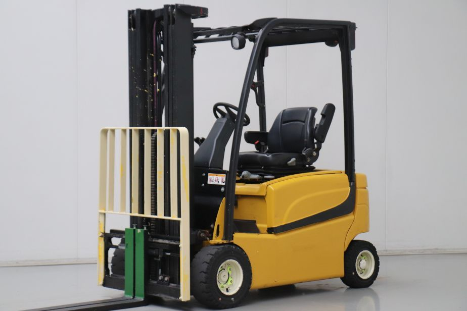 Yale ERP18VF Electric 4-wheel forklift www.bsforklifts.com