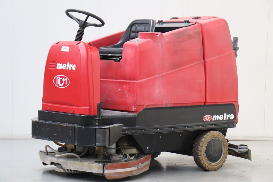 RCM Metro Sweepers www.bsforklifts.com
