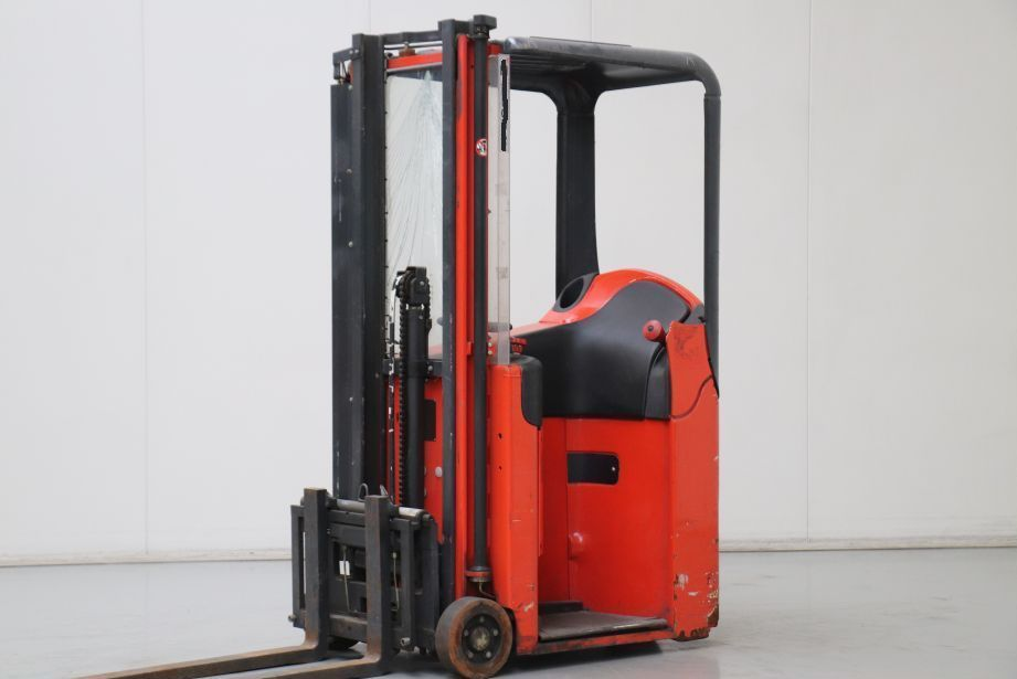 Linde E10 Electric 3-wheel forklift www.bsforklifts.com