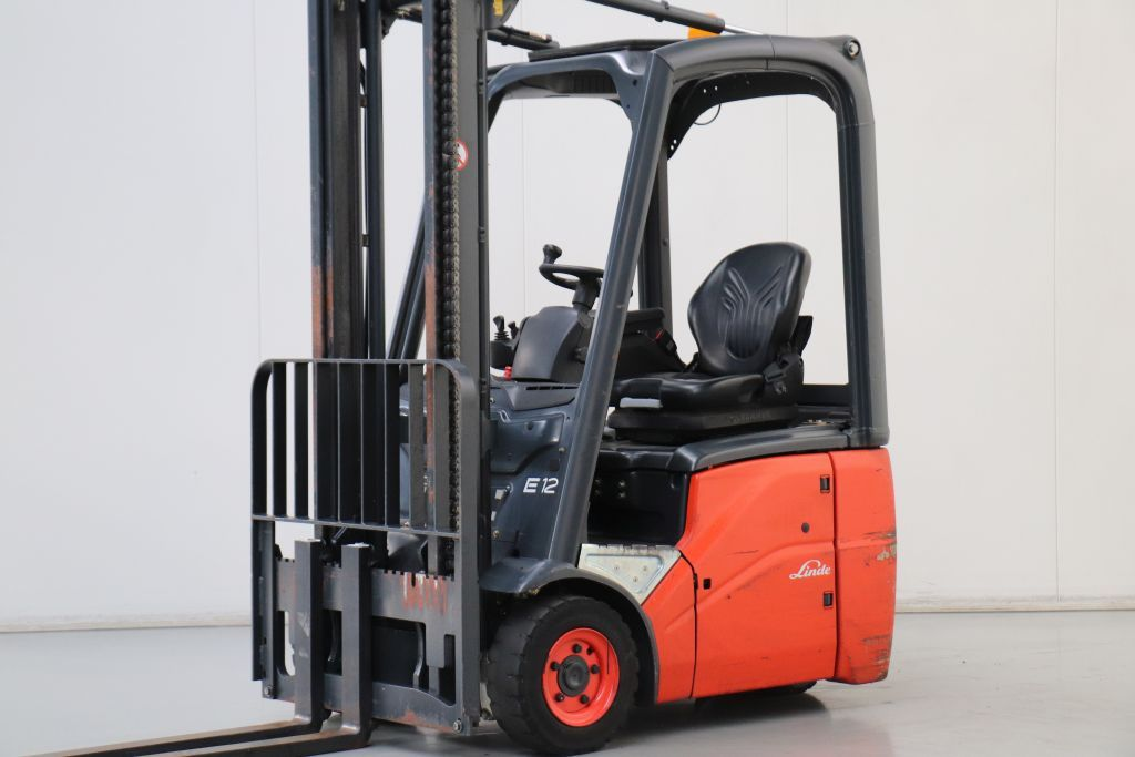 Linde E12 Electric 3-wheel forklift www.bsforklifts.com