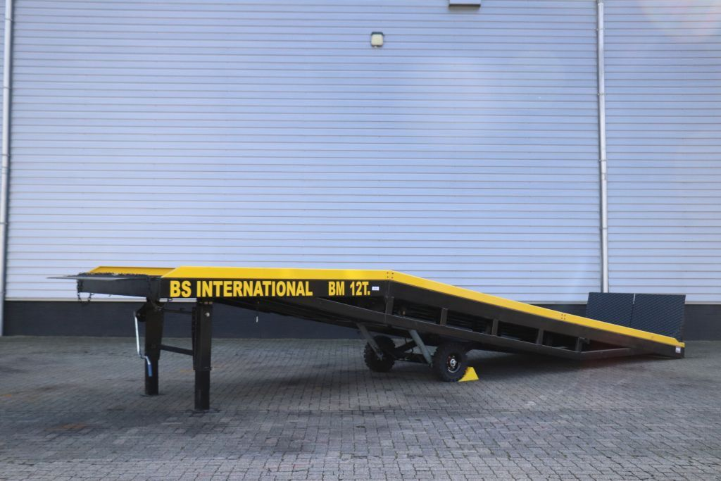GS-International GS-BM12T Verladerampe www.bsforklifts.com