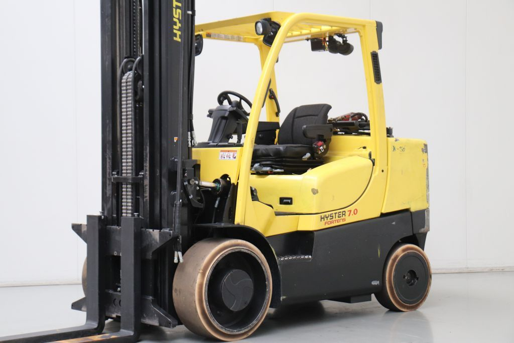 Hyster S7.0FT Caricatore compatto www.bsforklifts.com