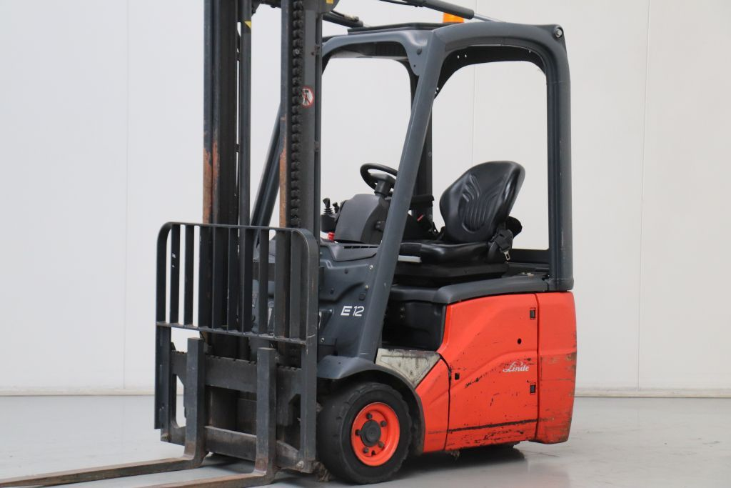 Linde E12-01 Electric 3-wheel forklift www.bsforklifts.com