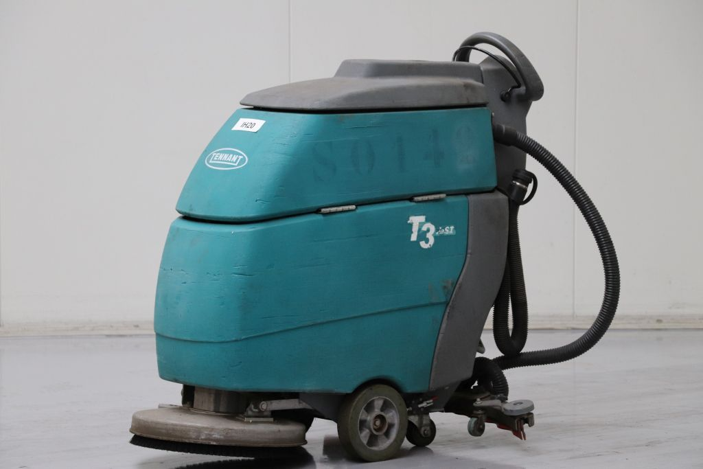 Tennant T3 Sweepers and vacuum cleaning machine www.bsforklifts.com