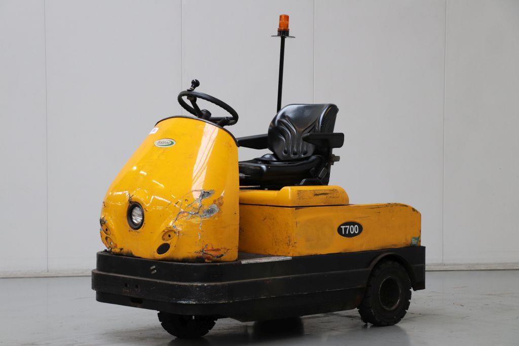 Bradshaw T700 Tow Tractor www.bsforklifts.com
