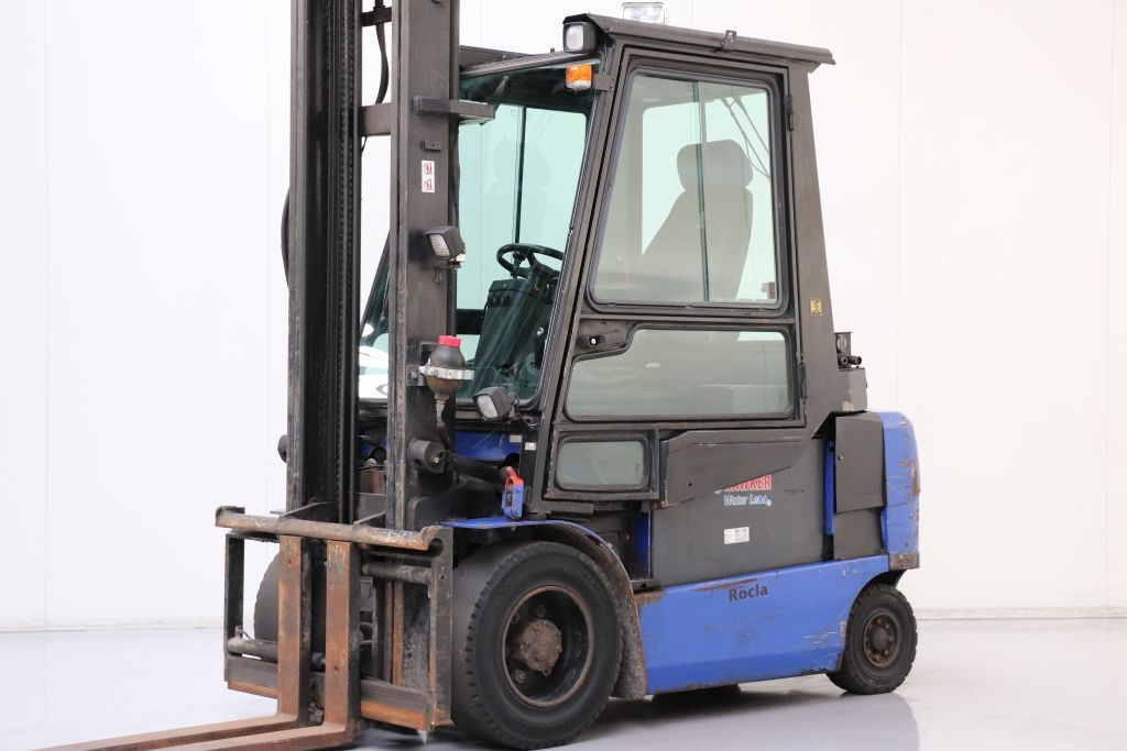 Caterpillar EP35K PAC Electric 4-wheel forklift www.bsforklifts.com