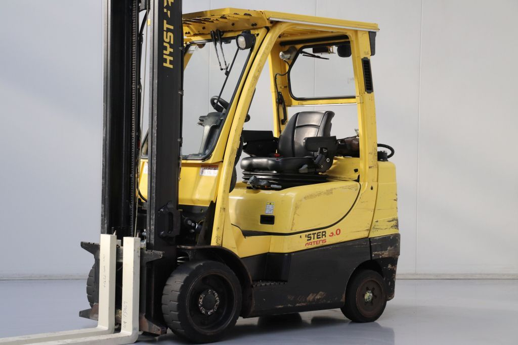Hyster S3.0FT Compact Forklifts www.bsforklifts.com