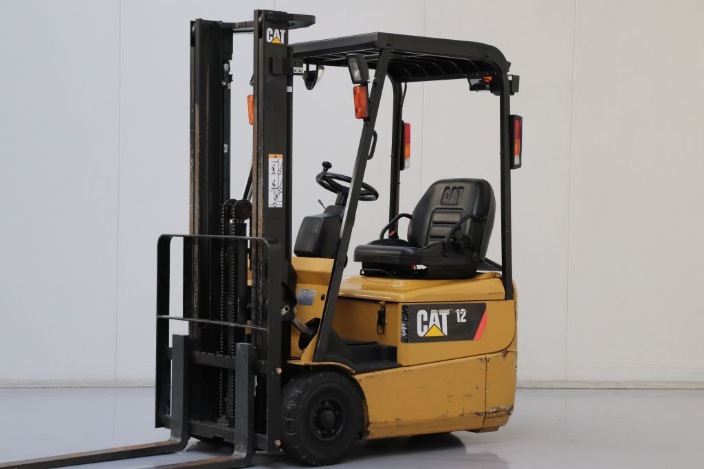 Caterpillar EP12KRT-PAC Electric 3-wheel forklift www.bsforklifts.com