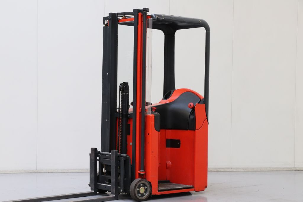 Linde E10 Stand-on stacker www.bsforklifts.com