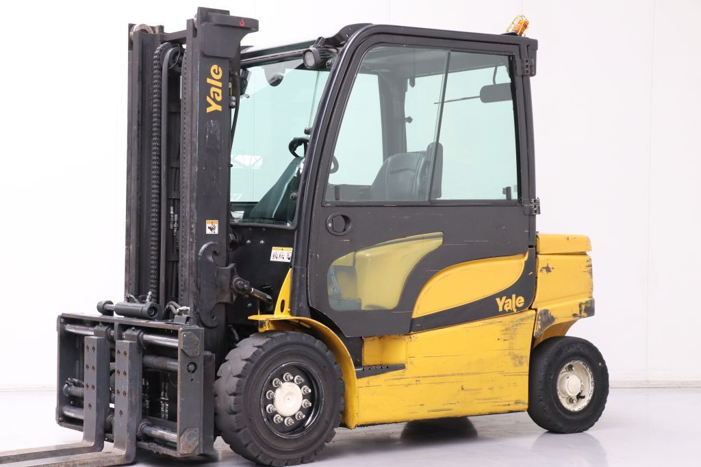 Yale ERP45VM Electric 4-wheel forklift www.bsforklifts.com