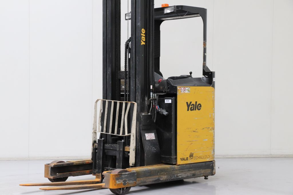 Yale MR14H Reach Truck www.bsforklifts.com