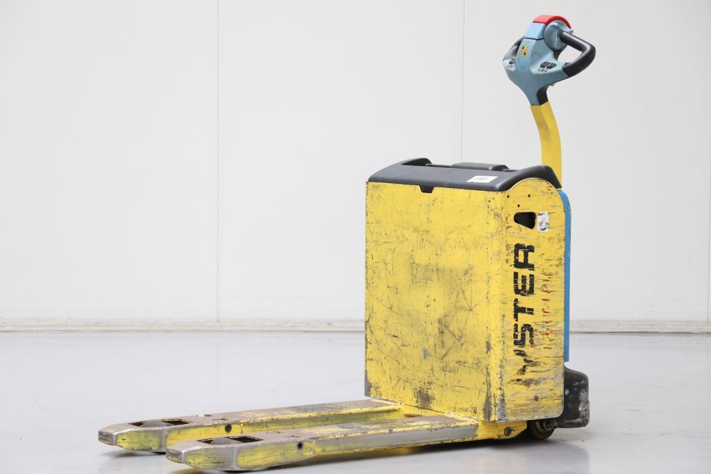 Hyster P1.6 Electric Pallet Truck www.bsforklifts.com