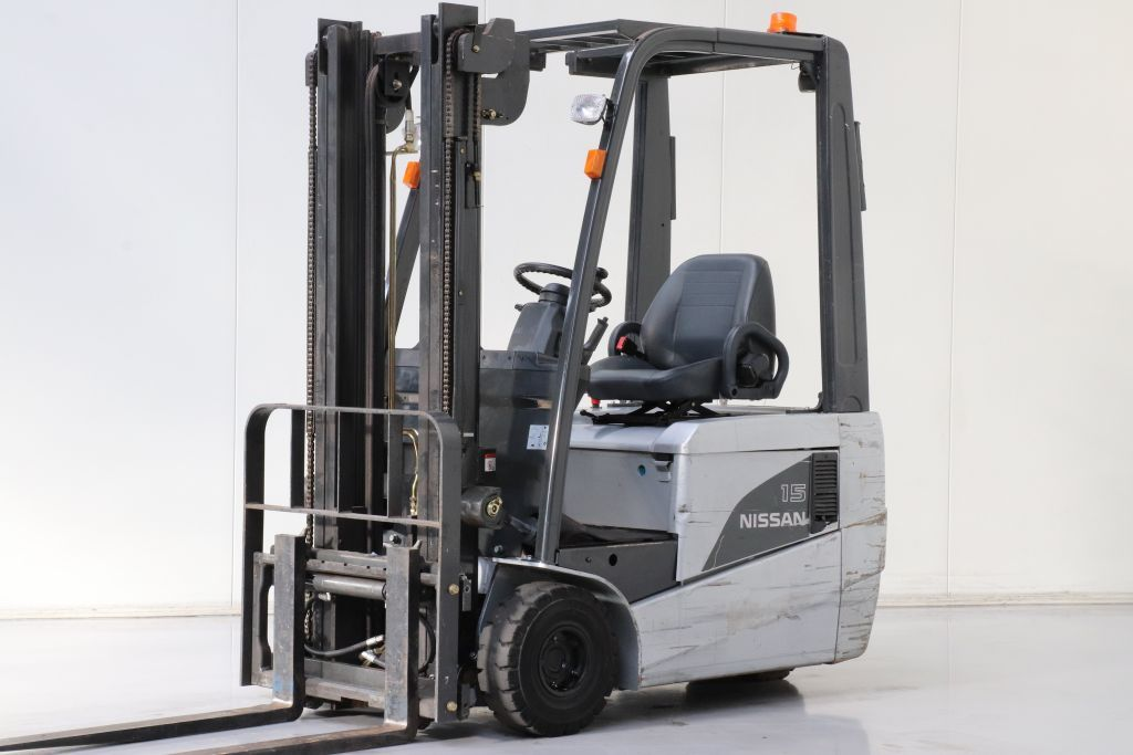 Nissan 1N1L15Q Electric 3-wheel forklift www.bsforklifts.com