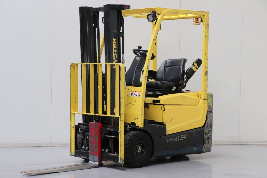 Hyster A1.5XNT Electric 3-wheel forklift www.bsforklifts.com