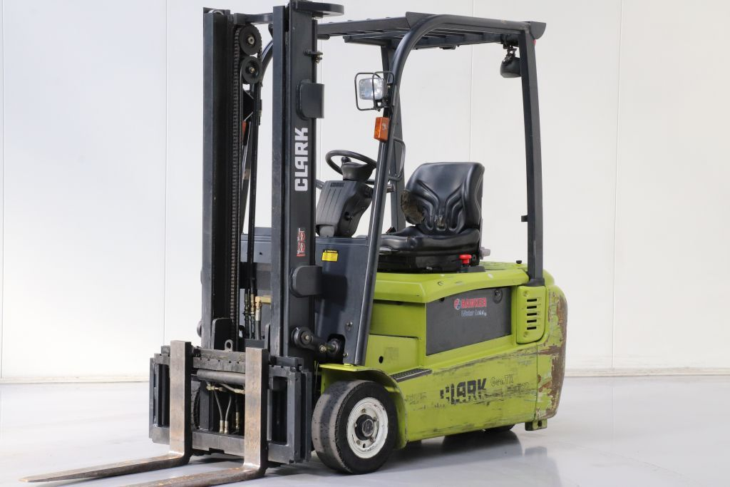 Clark GTX18 Electric 3-wheel forklift www.bsforklifts.com